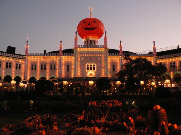 かぼちゃの親玉に乗っ取られたお城