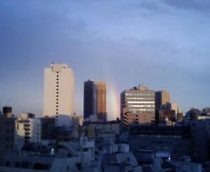 オフィスから見えた虹