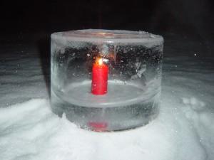 氷のキャンドルスタンド