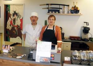 お寿司屋さんのご主人とお奥さん