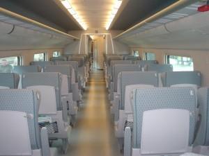 Allegro のエコノミークラス車内