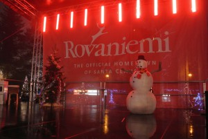 舞台上には雪だるまが・・・。
